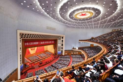 Alleviamento mirato della povertà e tutela ecologica: conoscere la Cina dal rapporto di lavoro del governo