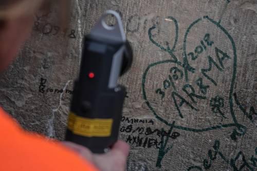 Il laser che cancella le scritte dai muri 5