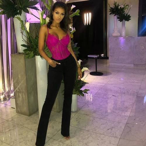Fanny Neguesha sexy su Instagram: gli scatti dell'ex di Balotelli 5