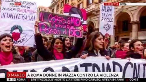 Bestemmie e insulti choc a Salvini. Così manifestano le femministe
