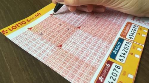 Lotto, la ruota di Napoli dispensa denaro: vinti 600mila euro