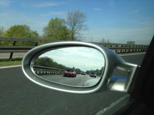 Attenti alla truffa degli specchietti. Ora l'Italia fa paura ai turisti