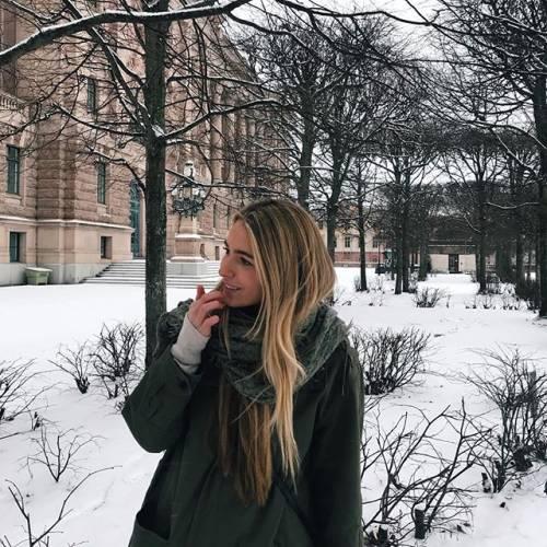 Daniela, quanto seguito su Instagram : gli scatti della figlia di Luis Figo 3