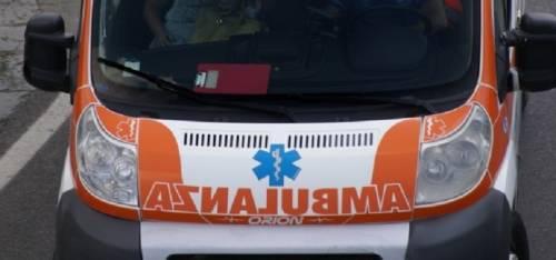 Ambulanza bloccata da auto in sosta selvaggia: denunciati i proprietari