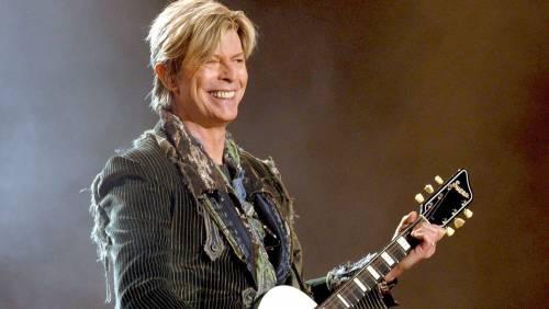 """David Bowie, parlano la moglie e l'amante: """"Un triangolo spirituale"""""""
