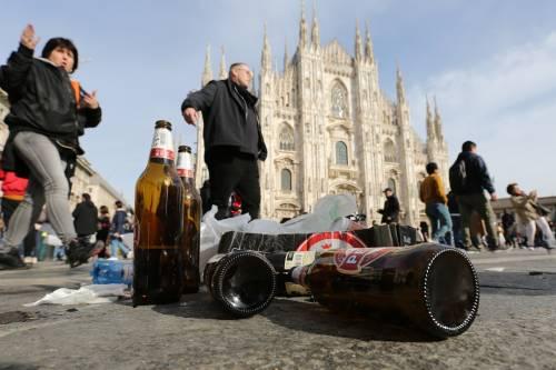 Milano, birra a fiumi per i tifosi tedeschi dell'Eintracht 3