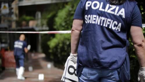 Trovato cadavere di 75enne chiuso in un sacco sul balcone di casa