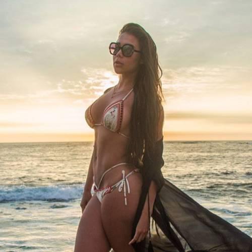 Alexandra Mendez spopola su Instagram: gli scatti della sexy venezuelana 5