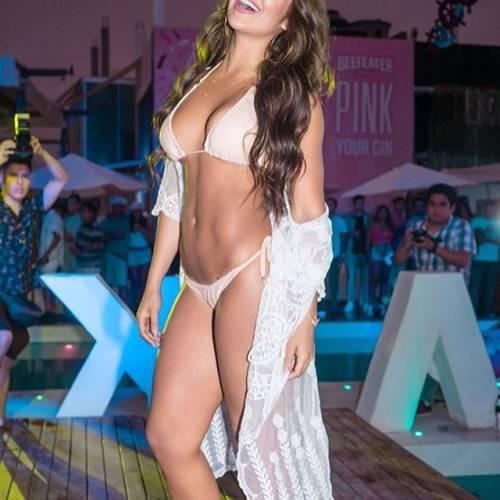 Alexandra Mendez spopola su Instagram: gli scatti della sexy venezuelana 2
