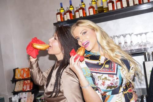 Francesca Cipriani show nel ristorante siciliano