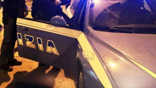 Roma, ferisce conducente con le forbici e fugge: preso dopo inseguimento
