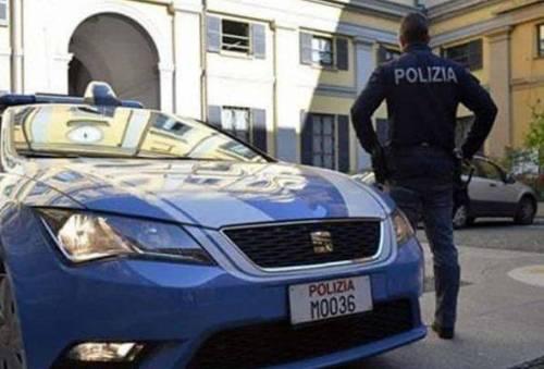La fuga dopo il furto, poi torna a riprendere il cellulare: arrestata marocchina