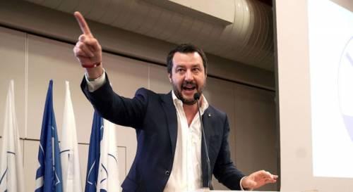 """Salvini alza il muro anti-Ong: """"Direttiva per fermare azioni illegali"""""""