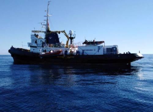 Mare Jonio, schiaffo alla Ong: diffidata dalla Guardia costiera