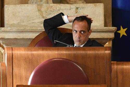 Il grillino De Vito arrestato per corruzione: presunte tangenti sullo stadio della Roma