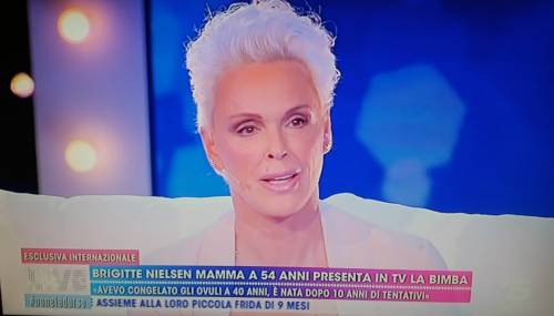 Brigitte Nielsen presenta la sua Frida avuta a 54 anni