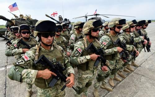 La Nato si schiera in Georgia. E adesso provoca la Russia