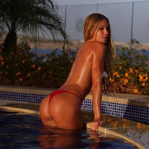 Taylor Mega da urlo su Instagram: le foto bollenti dell'influencer friulana 4