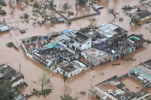 Dall'Italia 12 tonnellate di aiuti umanitari diretti in Mozambico