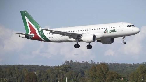 Volo Alitalia per New York atterra a Londra: arrestato passe