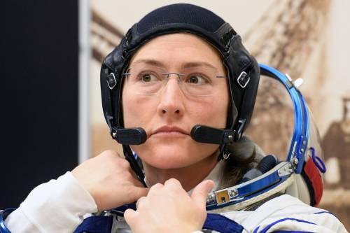 Salta prima passeggiata nello spazio al femminile: Mancano le tute