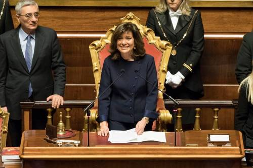 """La Casellati attacca il governo """"Troppi ritardi su regole e sanità"""""""