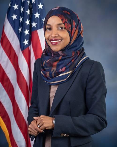 """La congressista islamica incita a """"scatenare l'inferno negli Usa"""""""