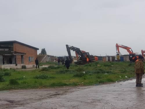 Foggia, via all'abbattimento di altre baracche abusive 2