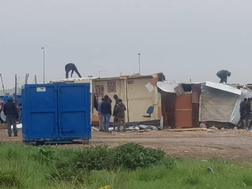 Foggia, via all'abbattimento di altre baracche abusive 3