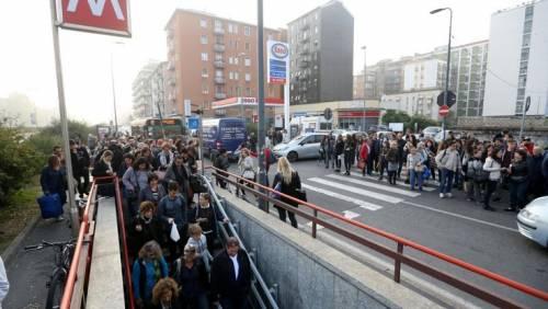 Altra brusca frenata in metrò: treno sequestrato
