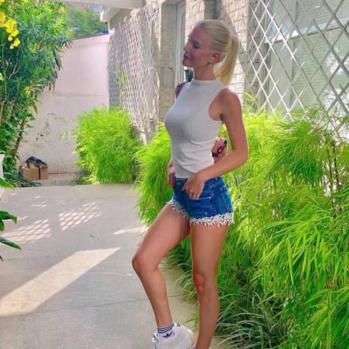 Daniela Christiansson da urlo su Instagram: gli scatti di lady Lopez 5