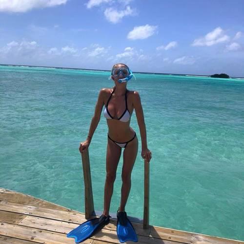 Daniela Christiansson da urlo su Instagram: gli scatti di lady Lopez 12