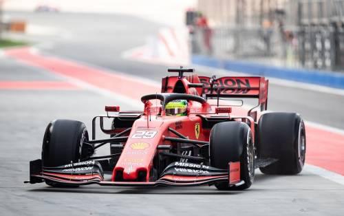 Mick Schumacher gira con la Ferrari SF90: gli scatti del figlio del grande Michael 2