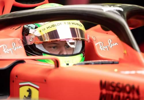 Mick Schumacher gira con la Ferrari SF90: gli scatti del figlio del grande Michael 3