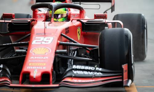 Mick Schumacher gira con la Ferrari SF90: gli scatti del figlio del grande Michael 4