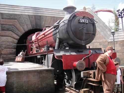 L'Hogwarts Express torna in servizio per tutti i fan di Harry Potter