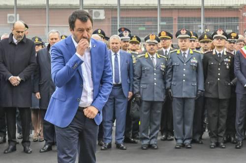 Migranti, l'assedio dei pm: Salvini è di nuovo indagato