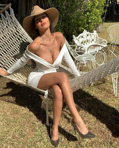 Sexy gallery dell'ombrellina Eva Padlock: ecco i suoi scatti bollenti su Instagram 7