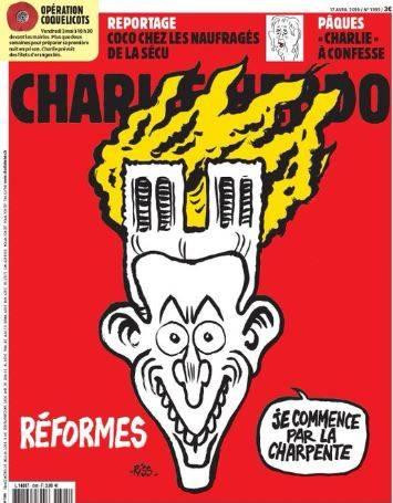 L'ironia di Charlie Hebdo: Macron con Notre Dame al posto dei capelli