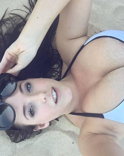Angela White, la pornodiva che ha stregato i social 5