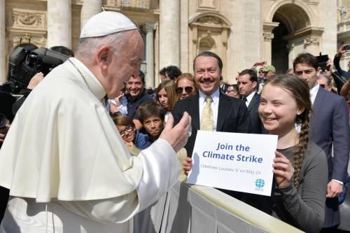 """Il comunismo verde dei """"Gretini"""" adesso sbarca anche in Vaticano"""