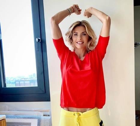 """Martina Colombari, ira sui social: """"Basta, non sono magra e malata"""""""