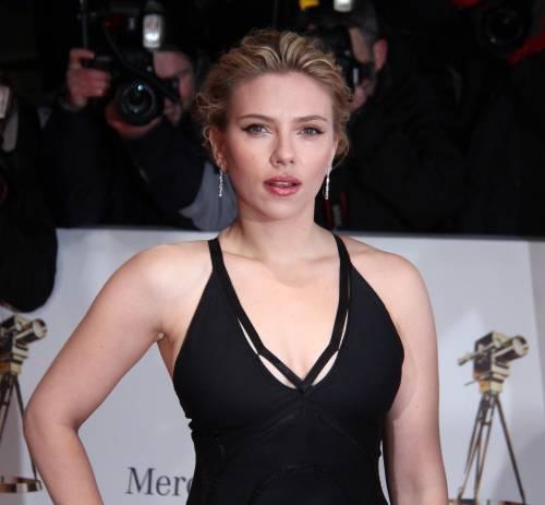 """Scarlett Johansson: """"Mia figlia mi crede davvero una supereroina"""""""