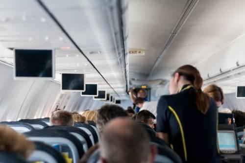 Aerei: i passeggeri saranno pesati per risparmiare carburante
