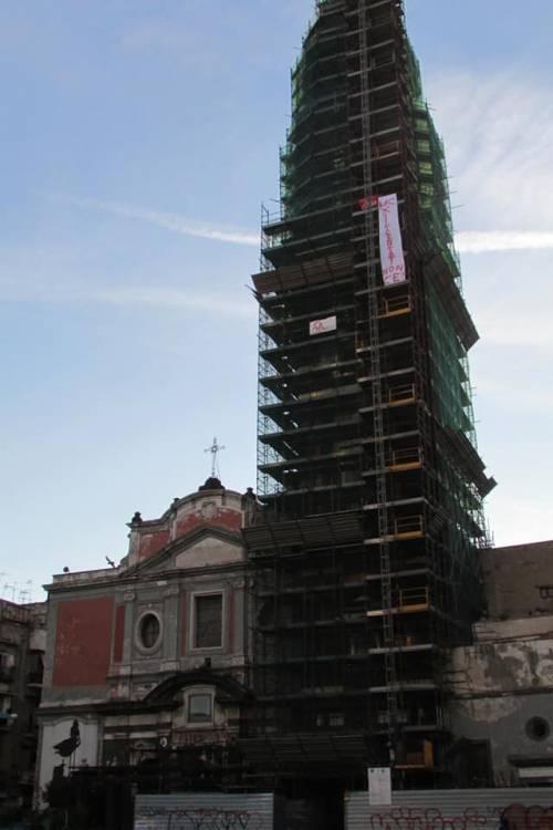 Napoli, licenziati Fca protestano sul campanile del Carmine 2