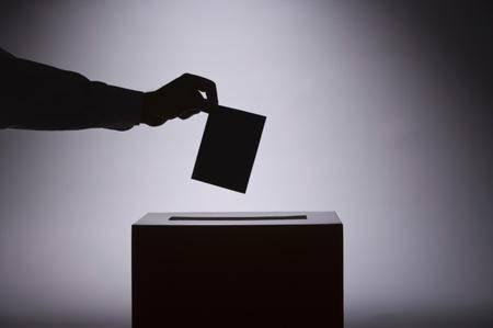 India, vota per il partito sbagliato e si amputa il dito