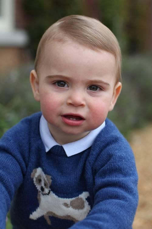 Il principe Louis ha detto la prima parola: è il nome di una donna. Ma non è Kate