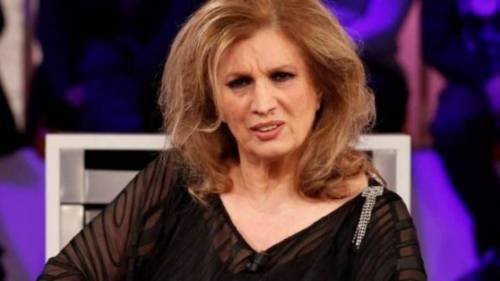 """Gf, Mila attacca: """"Si vede che siete italiani"""". Iva Zanicchi scatta: """"Ti abbiamo accolto"""""""