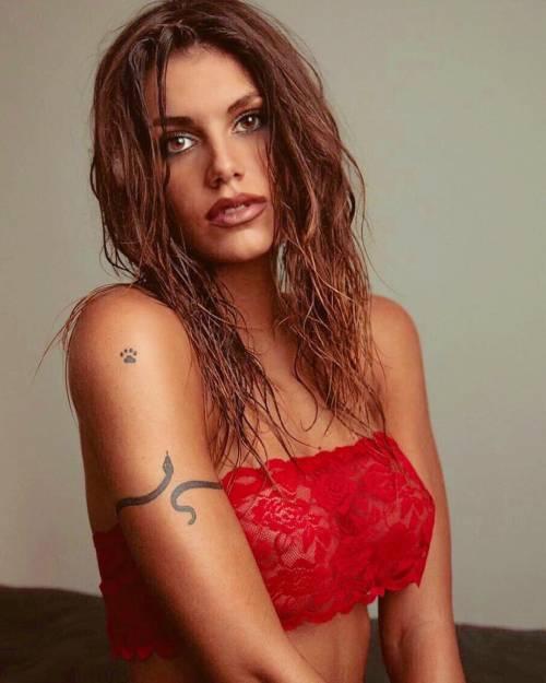 Antonella Fiordelisi provocante su Instagram: follower in delirio 2