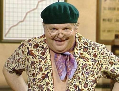 """Benny Hill, la vita segreta del comico inglese: """"Era un vero taccagno"""""""